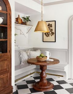 Chip & Joanna Gaines' Best Decors and Designs The Scrivano House from Fixer Up. - Chip & Joanna Gaines' Best Decors and Designs The Scrivano House from Fixer Upper Kitchen Breakfa - Home Interior, Interior Design Kitchen, Home Design, Kitchen Designs, Design Ideas, Interior Livingroom, Interior Colors, Interior Plants, Luxury Interior