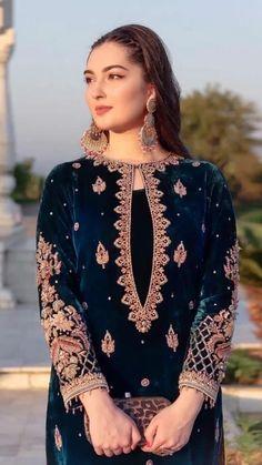 Pakistani Fashion Party Wear, Pakistani Wedding Outfits, Pakistani Dresses Casual, Indian Fashion Dresses, Pakistani Dress Design, Indian Designer Outfits, Fancy Dress Design, Stylish Dress Designs, Velvet Dress Designs