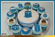 Jacot U & Bertasson LeBlanc. do you think I should do a Doctor Who themed party for S.'s (Doctor Who Cake + Cupcakes) Doctor Who Birthday, Doctor Who Party, Doctor Who Cupcakes, Doctor Cake, Dr Who Cake, Food Humor, Let Them Eat Cake, Cakepops, Amazing Cakes