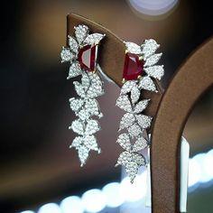 @petchchompoojewelry. Half Moon rubies earrings เซอร์AIGS with diamonds.