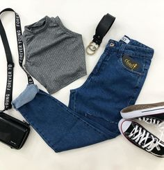 Really Cute Outfits, Cute Casual Outfits, Stylish Outfits, Teen Girl Outfits, Retro Outfits, Pelo Corto Lucy Hale, Mom Jeans, Fashion Dresses, My Style
