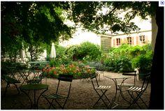 The Best Places to Eat Outside in Paris- Musee de la Vie Romantique Photo by D. Japanese Cherry Tree, Small Villa, Jardin Des Tuileries, Tokyo Design, Country House Design, Hidden Garden, Rooftop Garden, Outdoor Furniture Sets, Outdoor Decor