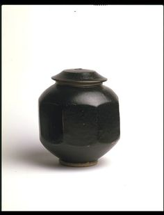Jar and cover | Leach, Bernard | V&A Search the Collections