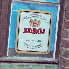 Etykieta piwa Zdrój w dawnym wrocławskim Browarze Mieszczańskim przy ul. Hubskiej.
