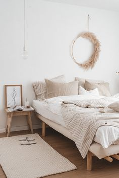 boho bedroom design // white and cream neutral bedroom decor // hardwood floors // woven rug // minimalist bedroom decor Minimalist Home Decor, Minimalist Bedroom, Home Design, Interior Design, Interior Sketch, Design Ideas, Interior Ideas, Neutral Bedrooms, Bedroom Neutral