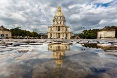 Photo Invalides Puddle Mirror in Paris par Loïc Lagarde on 500px