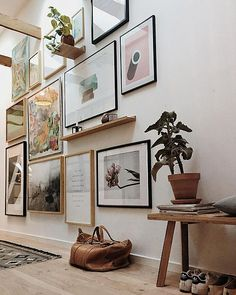 Entryway Ideas: Declutter Your Front Entry - - In this post, I'll share entryway ideas to declutter your front entry and keep it clutter-free! Entryway Art, Apartment Entryway, Modern Entryway, Entryway Ideas, Modern Staircase, Hallway Ideas, Entry Wall, Front Entry, Inspiration Wand