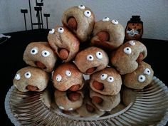 artsy fartsy blog -  funny snacks halloween food pølsehorn