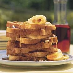 Recipe: Black Walnut French Toast Take French toast to the next level by adding fresh fruit, crunchy nuts, and a sprinkle of nutmeg in addition to the traditional cinnamon. Breakfast Dishes, Eat Breakfast, Breakfast Recipes, Overnight Breakfast, Banana French Toast, Challah, Pound Cake, Brunch Recipes, Yummy Recipes
