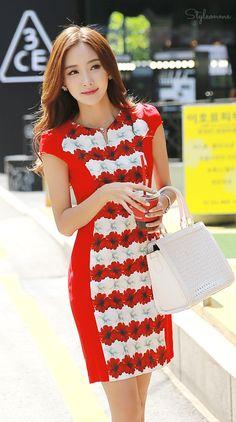Feminine Floral Striped Dress #StyleOnMe #KoreanFashion