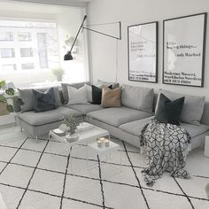 Gray Living Rooms Ideas - Gray being a very versatile shade has the capacity to work well with a variety […] Living Room Interior, Home Living Room, Living Room Designs, Living Room Decor, Söderhamn Sofa, Sectional Sofas, Couch, Grey Living Room Sets, Rooms Ideas