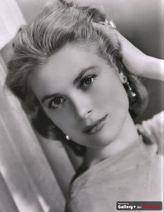 What do people think of Grace Kelly? See opinions and rankings about Grace Kelly across various lists and topics. Hollywood Stars, Classic Hollywood, Old Hollywood, Hollywood Glamour, Divas, Princesa Grace Kelly, Camille Gottlieb, Patricia Kelly, Kino Film