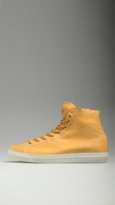 STOKTON Ochre yellow lace-ups high top sneakers in calf leather, rubber sole, side zip fastening, metallic eyelets, 100% calf leather .