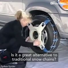 can install this snow chain in 60 seconds. - Everything You Need To Know About Car Tuning Cool Gadgets To Buy, Car Gadgets, Gadgets And Gizmos, Simple Life Hacks, Useful Life Hacks, Diy Auto, Snow Chains, Creative Inventions, Cute Car Accessories