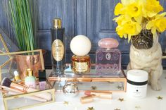 Mother's Day Luxury Gift Ideas - Thou Shalt Not Covet. Beauty Hacks, Beauty Tips, Makeup Case, Glowing Skin, Makeup Inspiration, Mother Day Gifts, Health And Beauty, Gift Guide, Fragrance