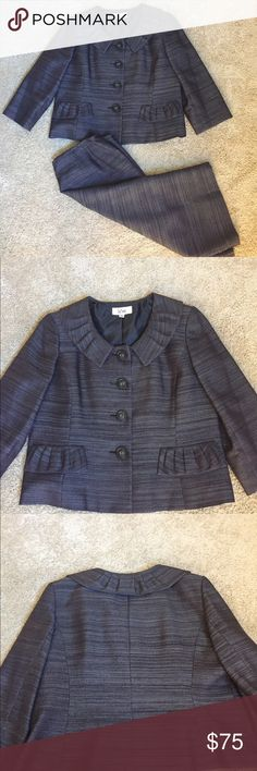 Le Suit skirt suit Like new • Jacket measures 22 inches in length • 19.5 inches along sleeves • 17 inches across shoulders • 22 inches across bust • skirt measures 25 inches in length • 18 inches across waist • 23 1/2 inches across hips Le Suit Jackets & Coats Blazers