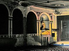 Tivoli Theatre... Vintage Hamilton Hamilton Ontario Canada, Dundas Ontario, Site History, Remembering Mom, The Province, Best Sites, New Pictures, Cool Places To Visit