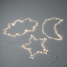 Omara LED Moon Wall Light AM. A luminous garland in a crescent moon shape. Decorative and playful, this pretty mood light will delight children and adults. Cool Ideas, Cloud Lights, Wall Lights, Halloween Infantil, Lampe Decoration, Luminaire Led, Star Lamp, All Of The Lights, Container Gardening