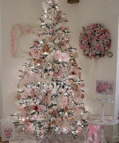 Love this light pink of a dream tree.