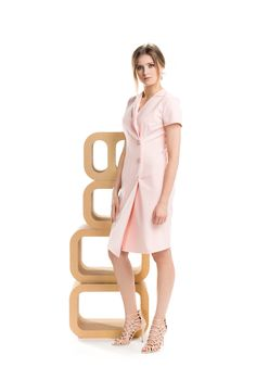 Brzoskwiniowa sukienka na guziki. Buttoned peachy dress.