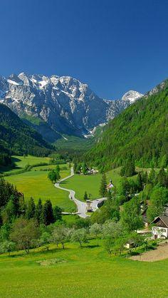 https://flic.kr/p/nyuHFt | spring alpine valley mountains fields landscape
