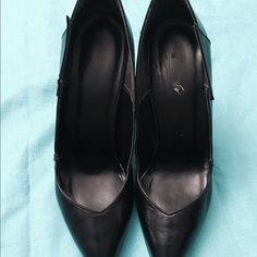 """Black pump. Pointed black shoes,size 71/2  and 5"""" heels. Good shape and condition. Shoes"""