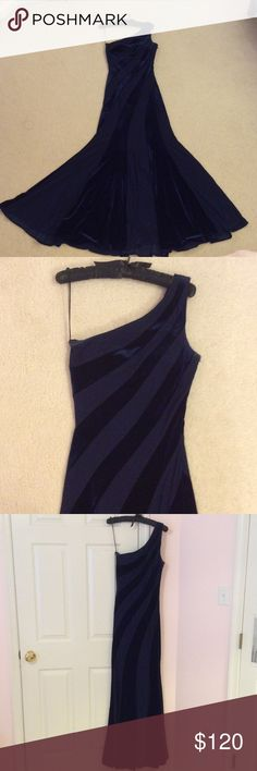 Caché long dress Super beautiful on. Zipper on the side. Fits right from the shoulder to the butt, and then is loose at the the bottom. Velvet dark blue and lighter blue stripes. Have padding in the breast area so a bra is not required. I'm a 4 and I fit in it because the material is stretchy. So would fit between a 0-4. Worn once for a holiday event. Comes in a Lord & Taylor bag. Cache Dresses Prom