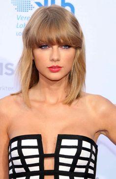 Taylor Swift in a (non-red!) bright lip