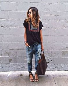 Adorable 41 Best Casual Outfit with Boyfriend Jeans https://stiliuse.com/41-best-casual-outfit-boyfriend-jeans #casualoutfits