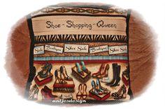 Kissen mit Schuhen - Spruch -  Shoe Shopping Queen von Antjes Design auf DaWanda.com