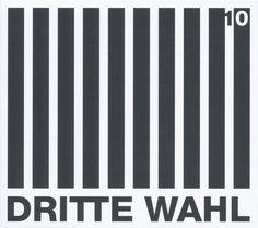 https://polyprisma.de/wp-content/uploads/2017/09/Dritte-Wahl-10.jpg Dritte Wahl - 10 https://polyprisma.de/review/dritte-wahl-10/ 30 Jahre Punk-Attitüde Dritte Wahl aus Rostock scheint in Sachen Popularität den Toten Hosen und den Ärzte folgen zu wollen. Ihr letztes Album Geblitzdingst schaffte es immerhin auf Platz 23 der deutschen Album Charts. Für Punkmusik ist das in Deutschland mehr als nur respektabel. Das neue Album...