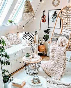 Bohemian Home Decor and Interior Design Ideas: Bohemian interior designs and home decor ideas are all interesting and a trending mode to change the simple beauty of the dreamland into the most exciting one. Decor, Boho Interior, Boho Room, Interior Design, Boho Interiors, Home Decor, Contemporary Home Decor, Room Decor, Apartment Decor