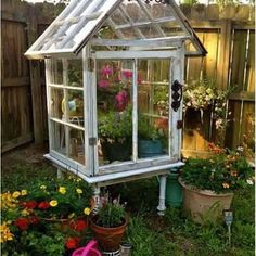 Found on Pinterest this great idea for a mini greenhouse, I want one! Have a fab evening everyone x #tiny #greenhouse #vintage #garden #greatidea