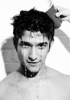 (60) Marcador #HappyBirthdayTylerPosey no Twitter