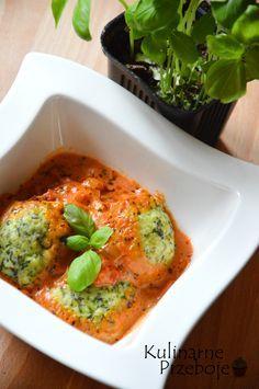 Pulpeciki z cukinii w sosie pomidorowym – zdrowy, pyszny pomysł na obiad lub jako lunchbox do pracy ;) Może zaciekawią Was również fit kotlety z brokułu i kaszy jaglanej – zobacz przepis: Kotlety z kaszy jaglanej i brokułu Pulpeciki z cukinii w sosie pomidorowym – Składniki: Składniki na pulpeciki z cukinii: 1 średnia cukinia (ok. 400g) 2 […] Diet Recipes, Vegetarian Recipes, Cooking Recipes, Healthy Recipes, Healthy Cooking, Healthy Eating, Healthy Food, Good Food, Yummy Food