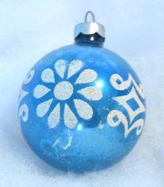 VINTAGE MERCURY GLASS STENCILED CHRISTMAS ORNAMENT BLUE & WHITE MICA 2