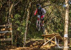Copa Brasil de Downhill Individual 2015 - CAMANDUCAIA - MG. Piloto: Paulo Eduardo (Mutuka). Foto: João Paulo Labeda