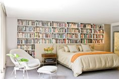 Dreamy bedroom for booklovers!