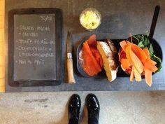 Menu du jour 30/01 - Salade mâche + carottes- Truite fumée Bio - Cream cheese + moutarde citron-gingembre - Pain complet au maïs