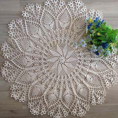 Cómo hacer una toalla de ganchillo: gráficos paso a paso y descargables Crochet Dollies, Crochet Doily Patterns, Purple Wedding Centerpieces, Types Of Gold, Crochet Tablecloth, Tulips Flowers, Doilies, Free Crochet, Crafts