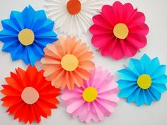 Flower craft ideas wonderful spring summer mothers day ideas accordion paper flowers easy craft projectscraft kidseasy mightylinksfo