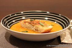 Kürbissuppe mit Parmesancroutons