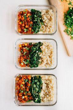 Curried Chickpea Meal Prep Bowls -- the BEST vegan meal prep recipe (Vegan Curry Easy) Sunday Meal Prep, Lunch Meal Prep, Meal Prep Bowls, Meal Prep For The Week, Vegetarian Meal Prep, Healthy Meal Prep, Vegetarian Recipes, Healthy Eating, Healthy Recipes