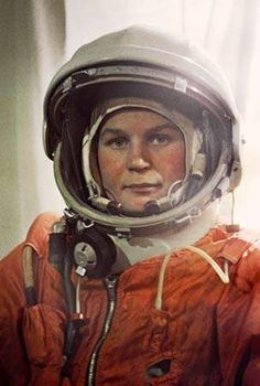 Valentina Tereshkova, Soviet cosmonaut who was the first woman to travel into space. Learn more about Tereshkova's life and career. First Female Astronaut, Valentina Tereshkova, Robot Technology, Soviet Art, Soviet Union, Russian Culture, Space Race, Found Object Art, The Right Stuff