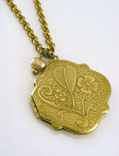 Locket Necklace Irish Four Leaf Clover and by chloesvintagejewelry, $32.50