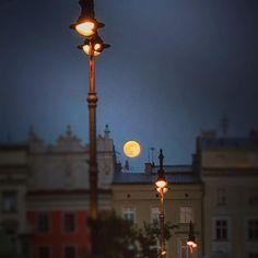 Full #moon #rynekkrakowski