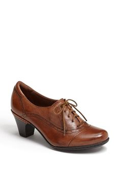 Oxfords are a nice business casual option for women with wide or large feet.  A bit of heel keeps them feminine. Add custom inserts for extra comfort. Cobb Hill 'Sheila' Pump | Nordstrom