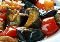10 of The Best Italian Food - MANGIA MAGNA Wine Recipes, Cooking Recipes, Veal Cutlet, Types Of Pizza, Eggplant Dishes, Artisan Cheese, Best Italian Recipes, Vegetable Salad, Stuffed Peppers