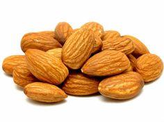 Informação Nutricional da Amêndoa: Calorias, gorduras totais, saturadas, colesterol, sódio, carboidratos, fibras, açúcar, proteínas, zinco, fósforo, cálcio