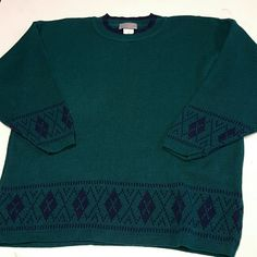 Vintage sweater dark plus size 2x holiday excellent vintage condition,  size 2x Sweaters Crew & Scoop Necks